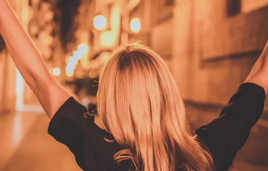 感觉不到男朋友爱我,但是有感情怎么往下走