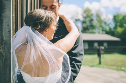 情人不肯离婚也不肯分手,我该何去何从?